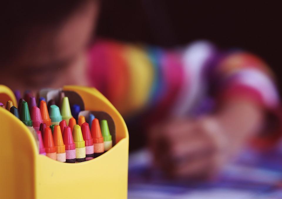 crayons-1209804_960_720 (1).jpg
