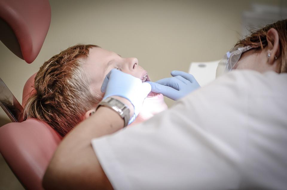 dentist-428646_960_720.jpg