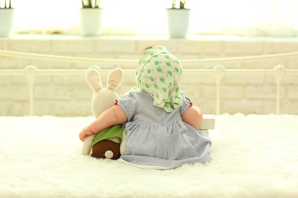 baby-behind-1767804_960_720.jpg