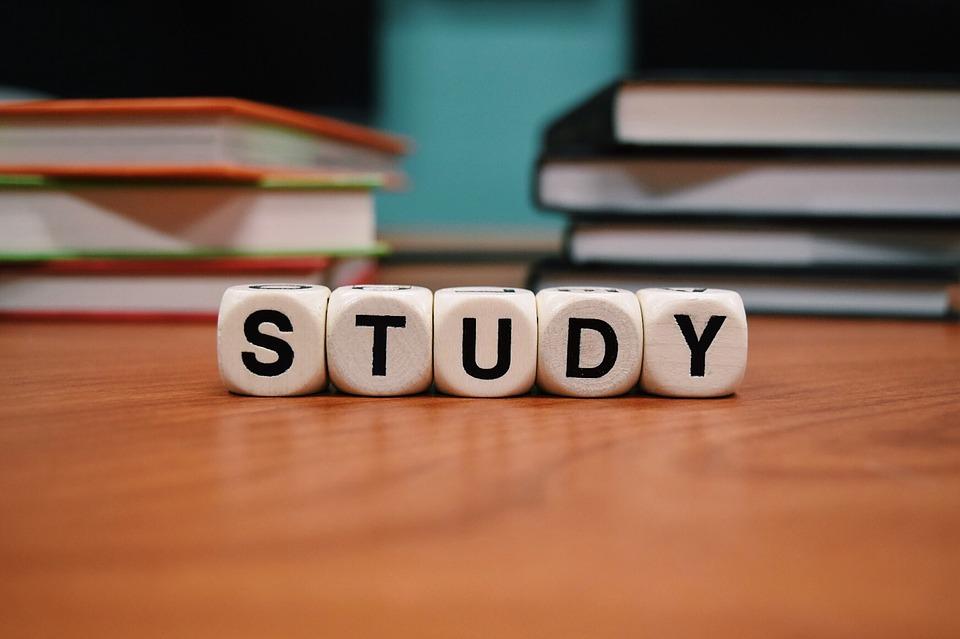 study-1968077_960_720.jpg
