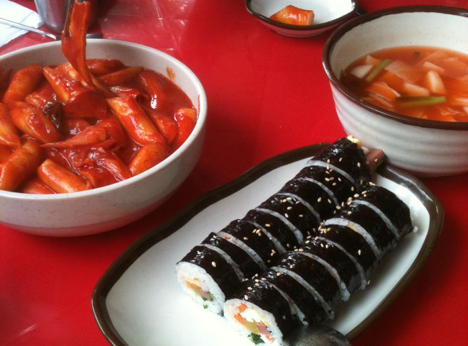 김밥과떡복이.jpg