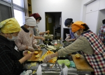 어린이식당 밥 한 끼 동네를 바꾸는 '씨앗'