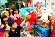 장난감 뺏기는 아이의 미래?