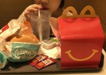'햄버거병 피해' 엄마들이 맥도날드와 한국 정부를 함께 고발한 이유